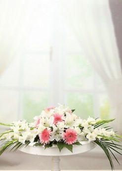 Pembe Beyaz Masa Aranjmanı