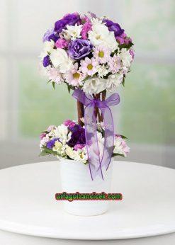 Seramik Vazoda Çiçek Topu